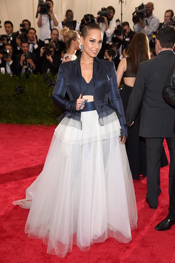 Alicia Keys  Gown by  Jean Paul Gaultier