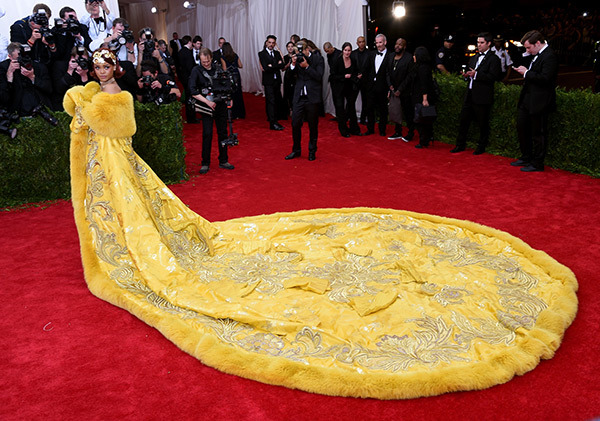 Rihanna  Gown by  Guo Pei gown